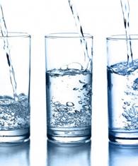uống nước tinh khiết