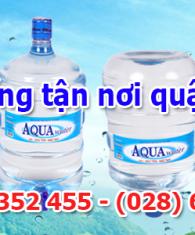 Giao-nuoc-uong-tan-noi-quan-Phu-Nhuan
